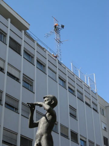 Disassembly of the television tower on the top of the Slovenian Radio and Television building